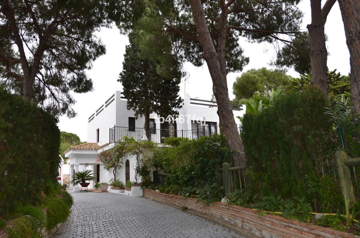 Villa 6 Dormitorios en Venta Hacienda Las Chapas