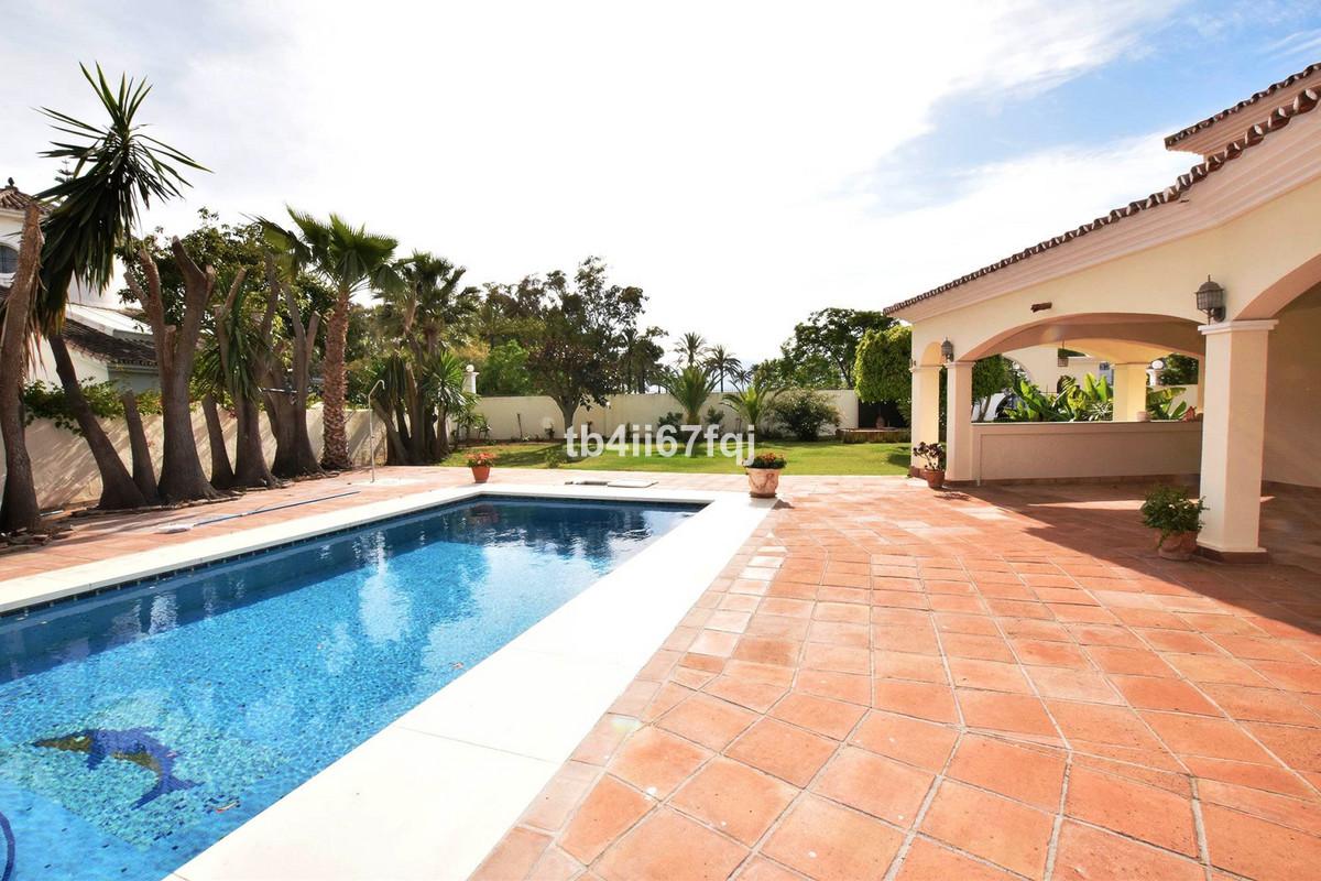 Spacious Villa in Casasola, Guadalmina Baja, Estepona. With 6 bedrooms and 5 bathrooms on the ground,Spain