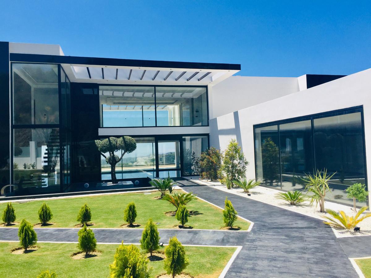 Villa Till salu i Benahavís R3867805