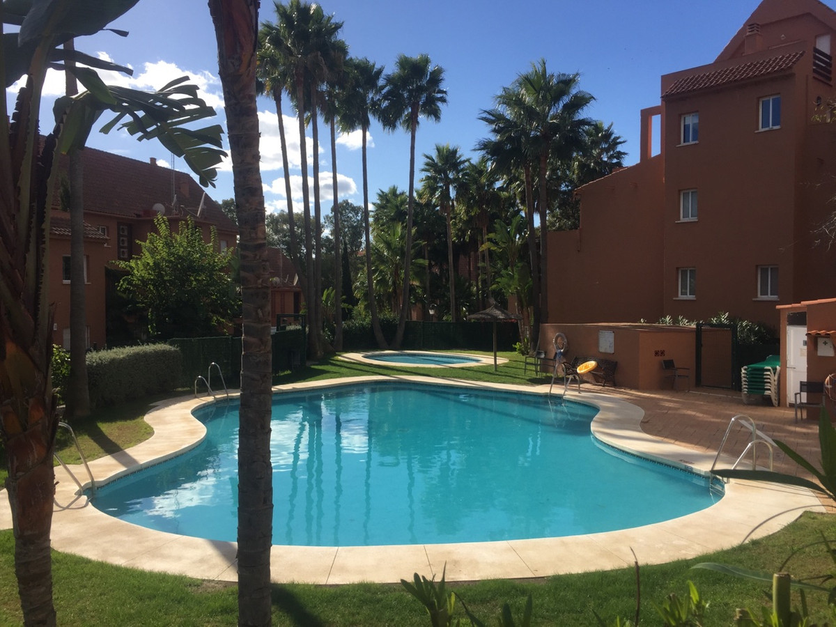 Beautiful spacious apartment located in a complex near the sea and has a garden and a large terrace.,Spain