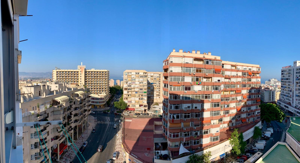 Nice and bright apartment in the city center with open view. The large independent kitchen, the spac,Spain