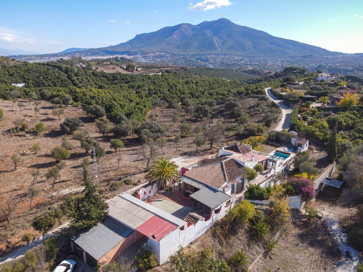 Detached Villa for sale in Coín R3759286