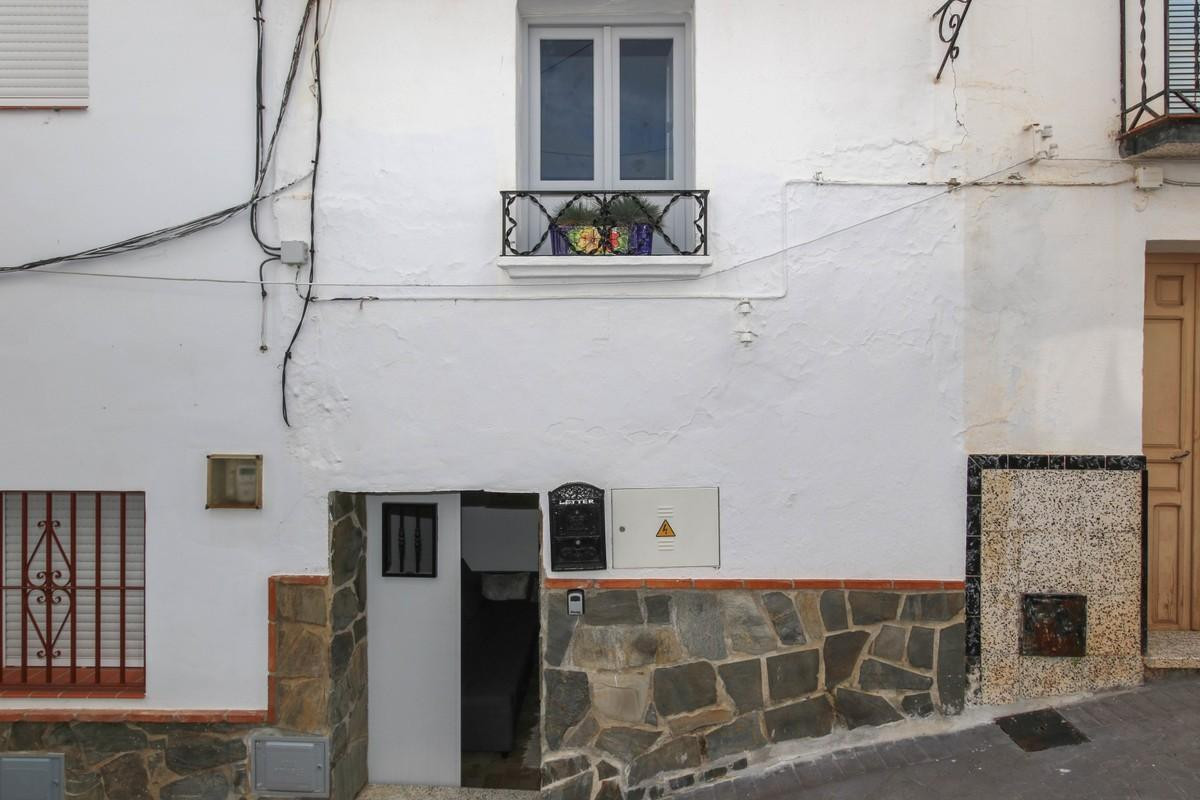 1 bedroom townhouse for sale guaro