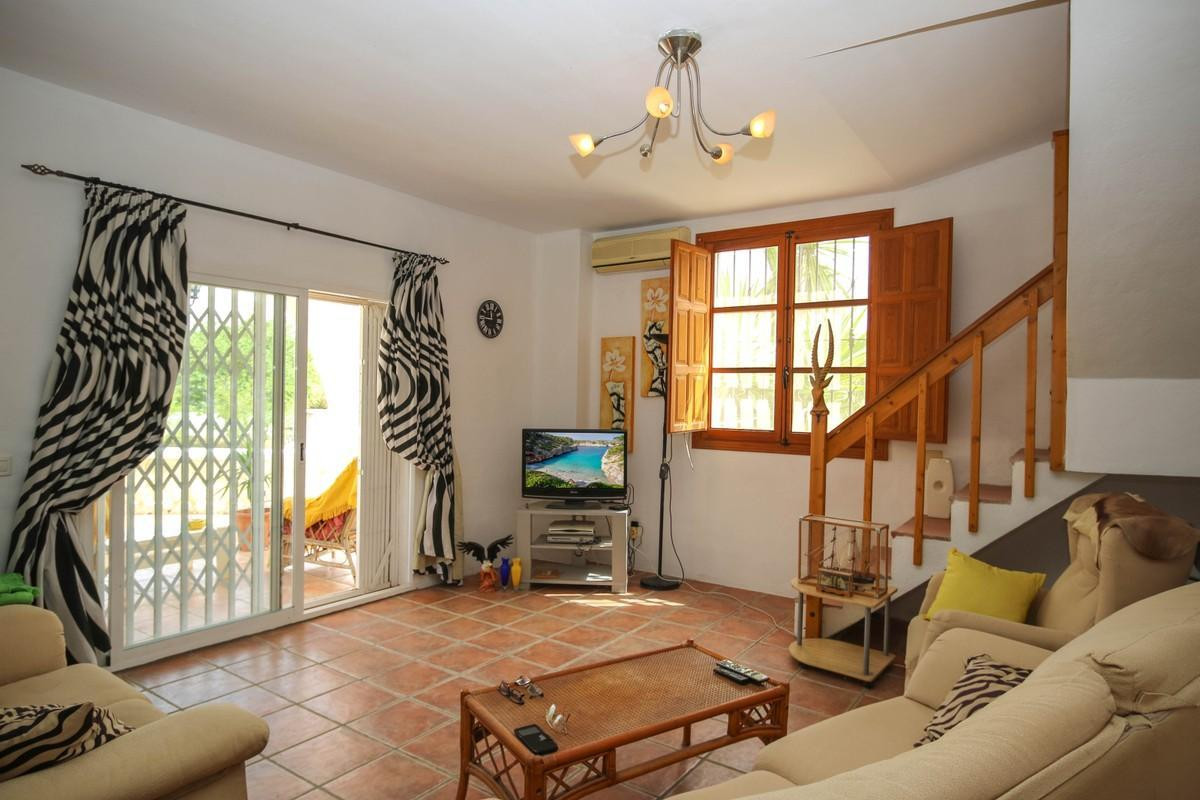 House in Alhaurín el Grande R3809806 8