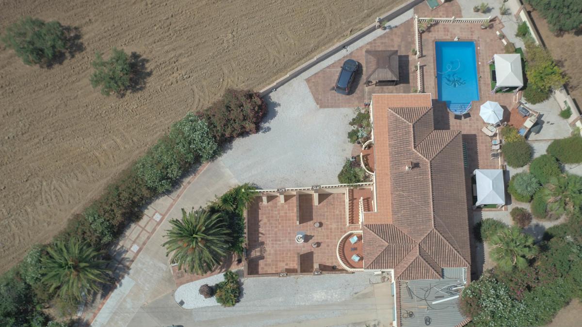 House in Alhaurín de la Torre R3674531 36