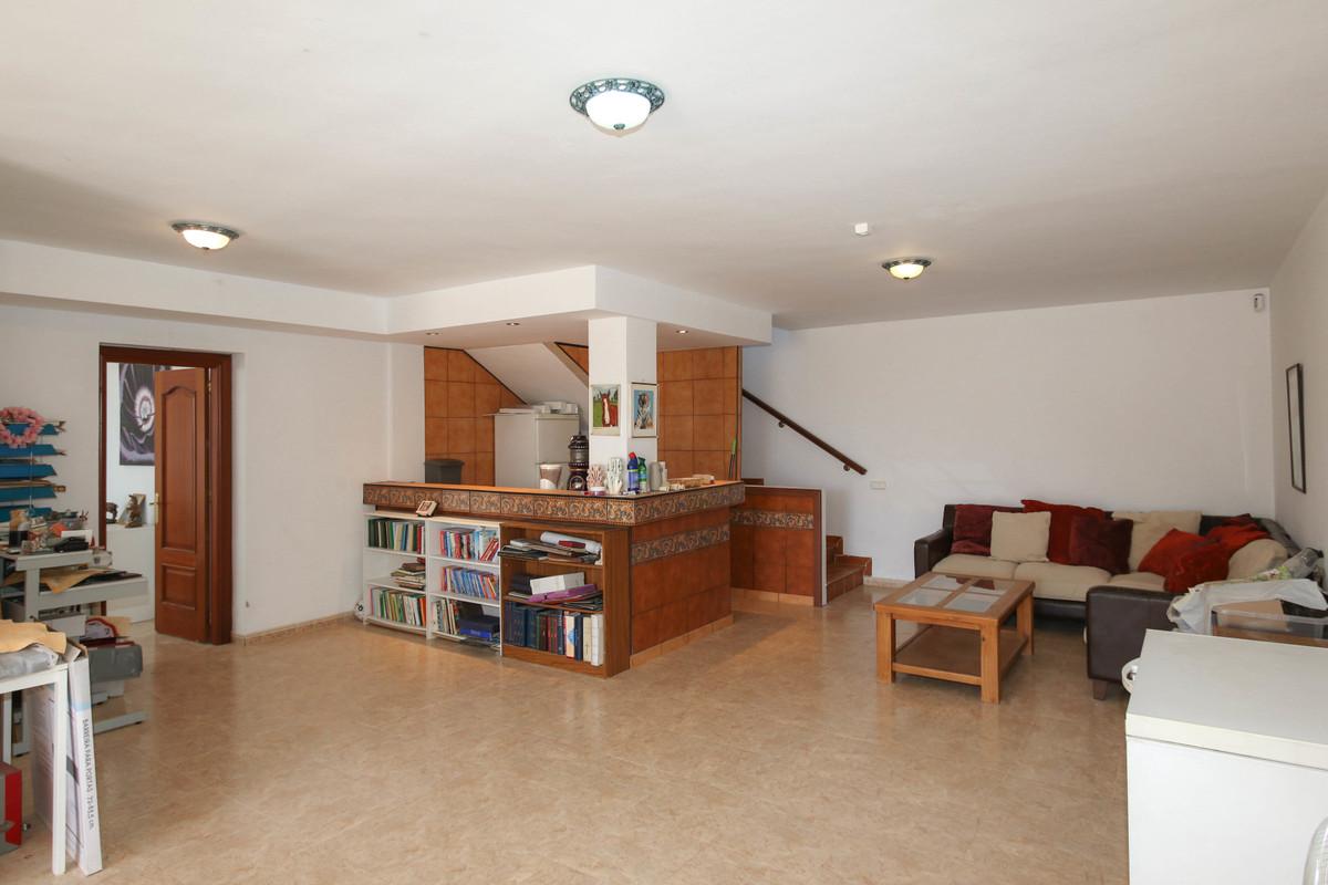 House in Alhaurín de la Torre R3674531 40