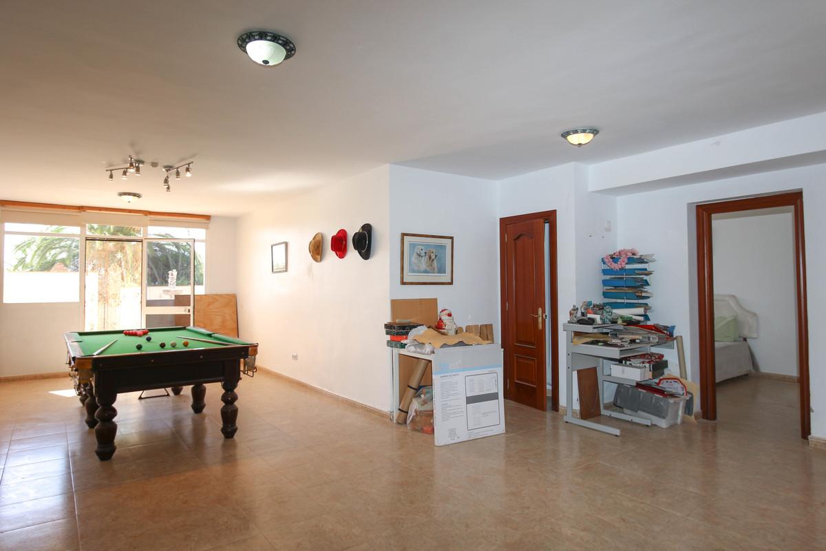 House in Alhaurín de la Torre R3674531 42
