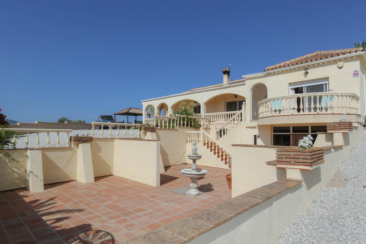 House in Alhaurín de la Torre R3674531 47