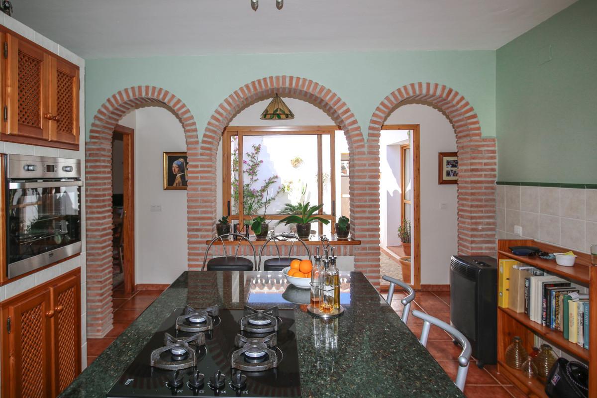 House in Alora R3619037 12