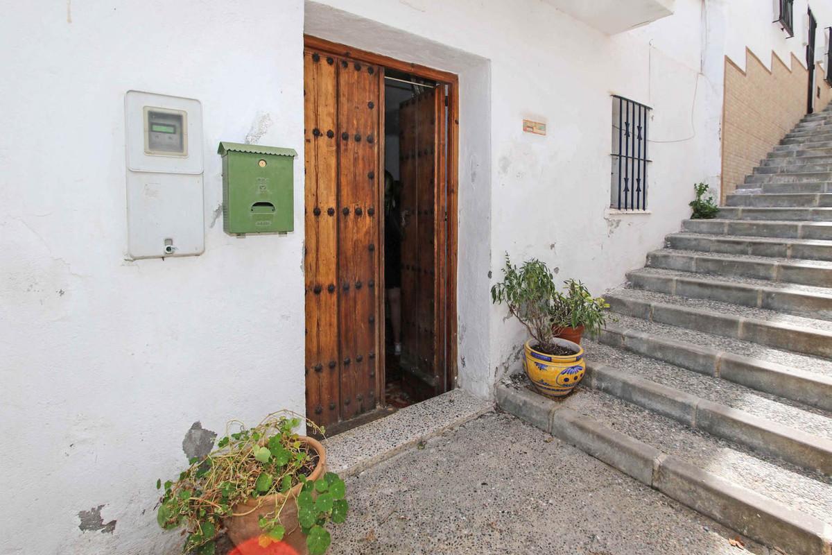 Unifamiliar Adosada 3 Dormitorio(s) en Venta Alozaina