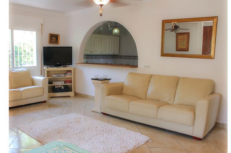 House in Alhaurín de la Torre R2260190 36