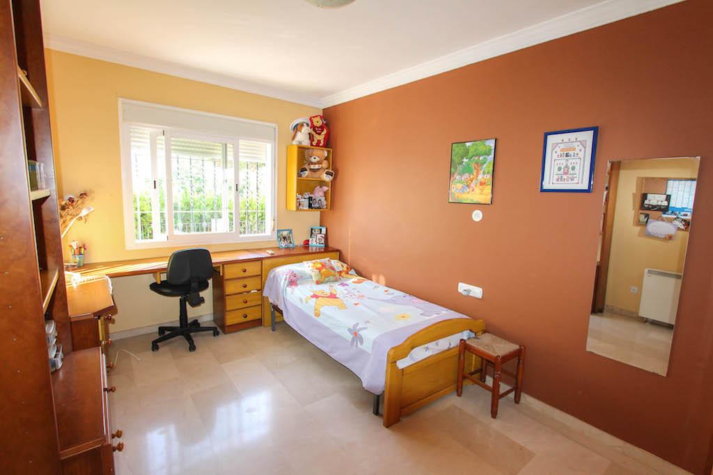 House in Alhaurín de la Torre R2505746 26