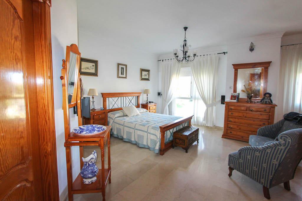 House in Alhaurín de la Torre R2505746 28