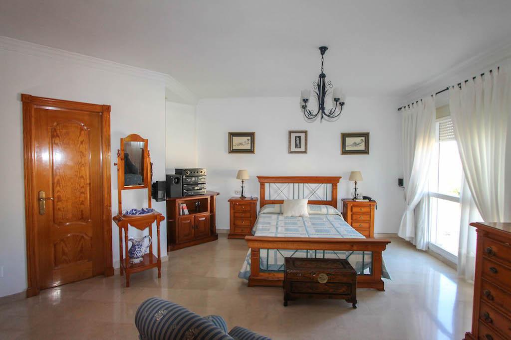 House in Alhaurín de la Torre R2505746 29