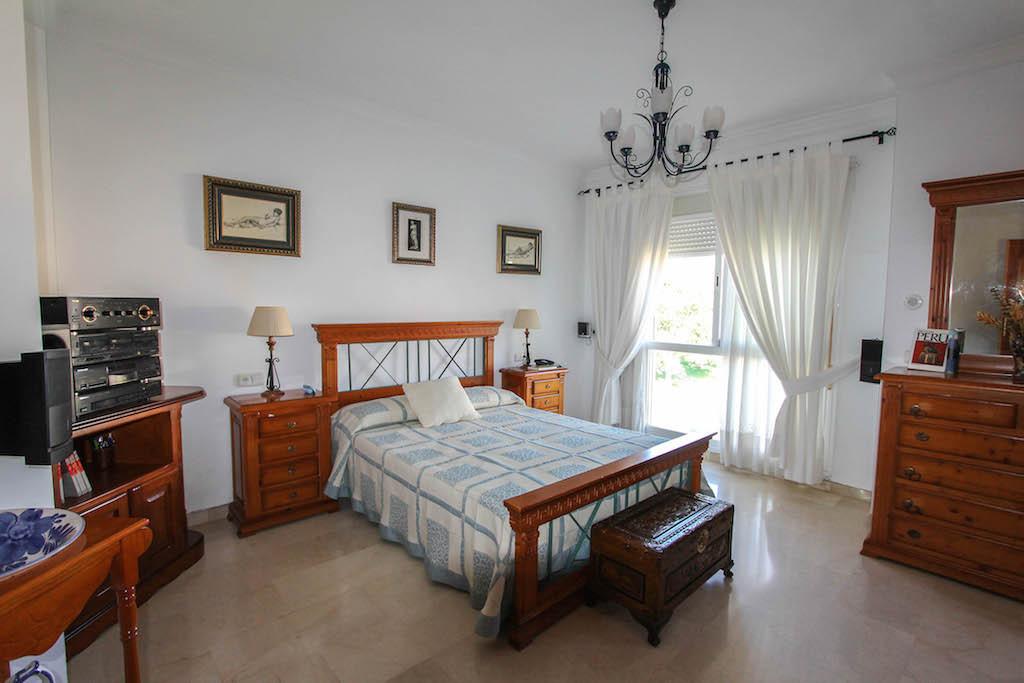 House in Alhaurín de la Torre R2505746 31