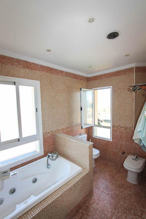 House in Alhaurín de la Torre R2505746 32