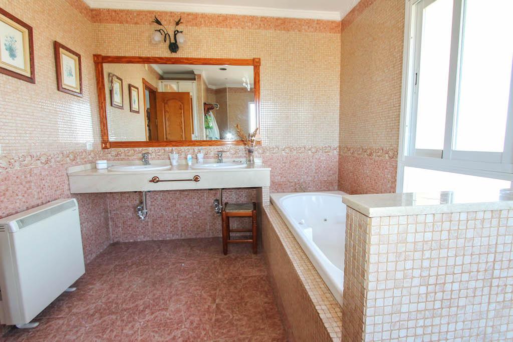 House in Alhaurín de la Torre R2505746 33