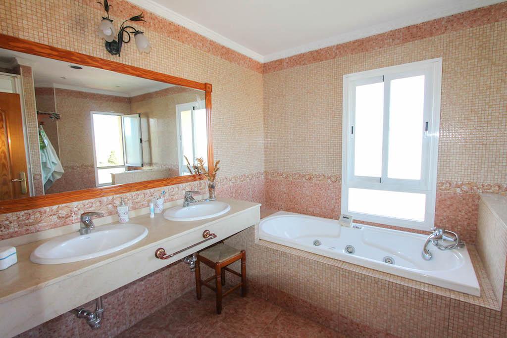 House in Alhaurín de la Torre R2505746 34