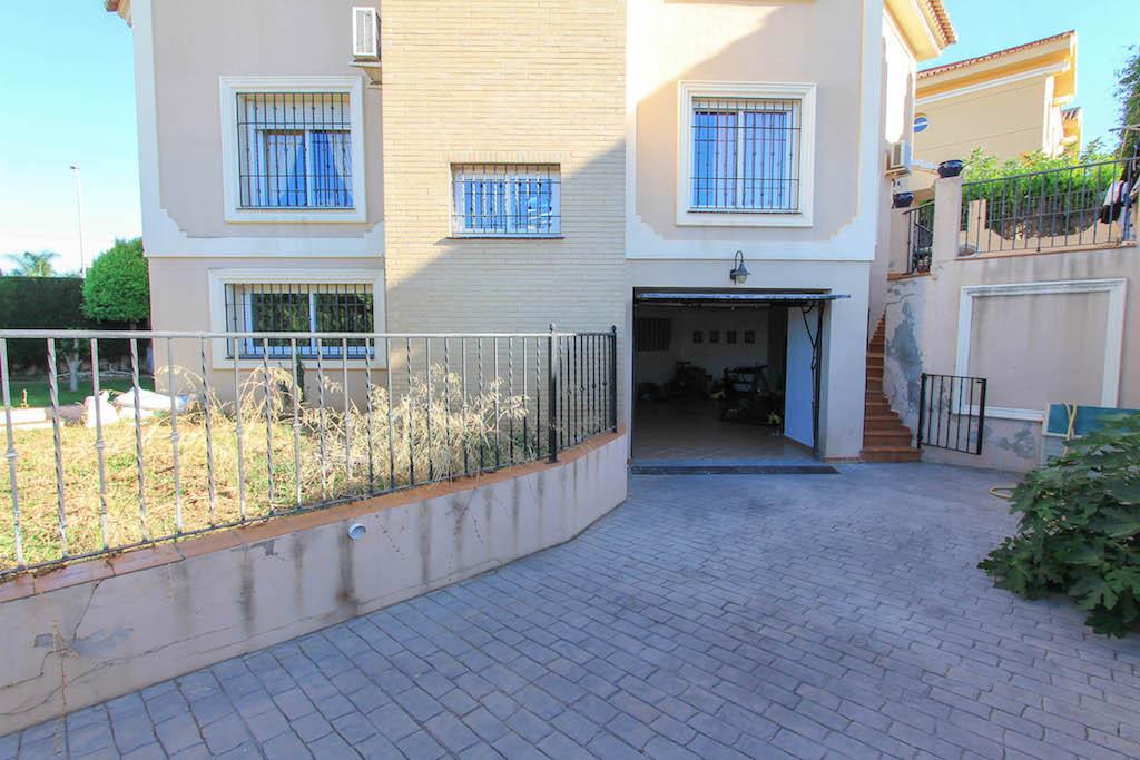 House in Alhaurín de la Torre R2505746 35