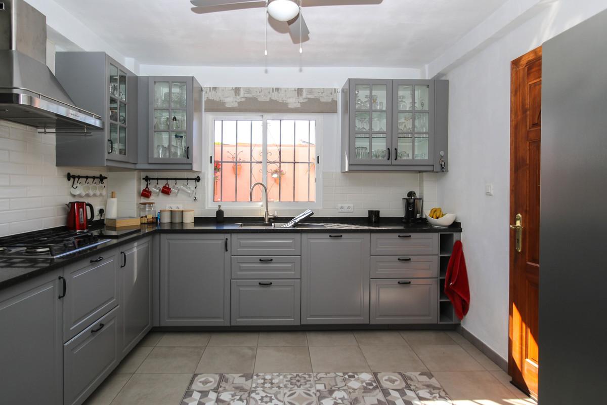 House in Alhaurín el Grande R3733957 19