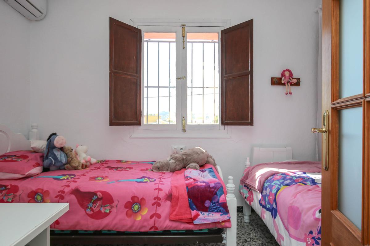 House in Alhaurín el Grande R3733957 36