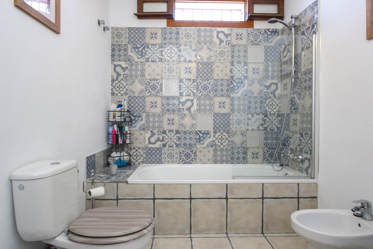 House in Alhaurín el Grande R3733957 38