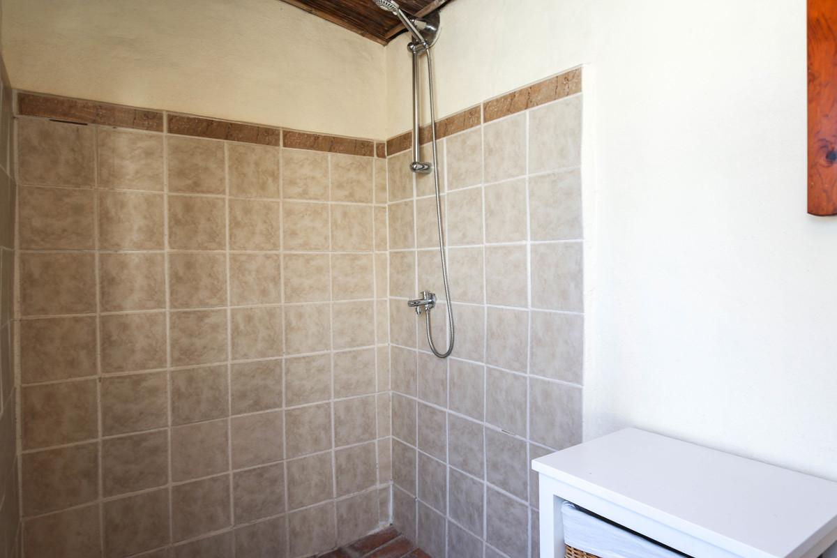 House in Alhaurín el Grande R3733957 60