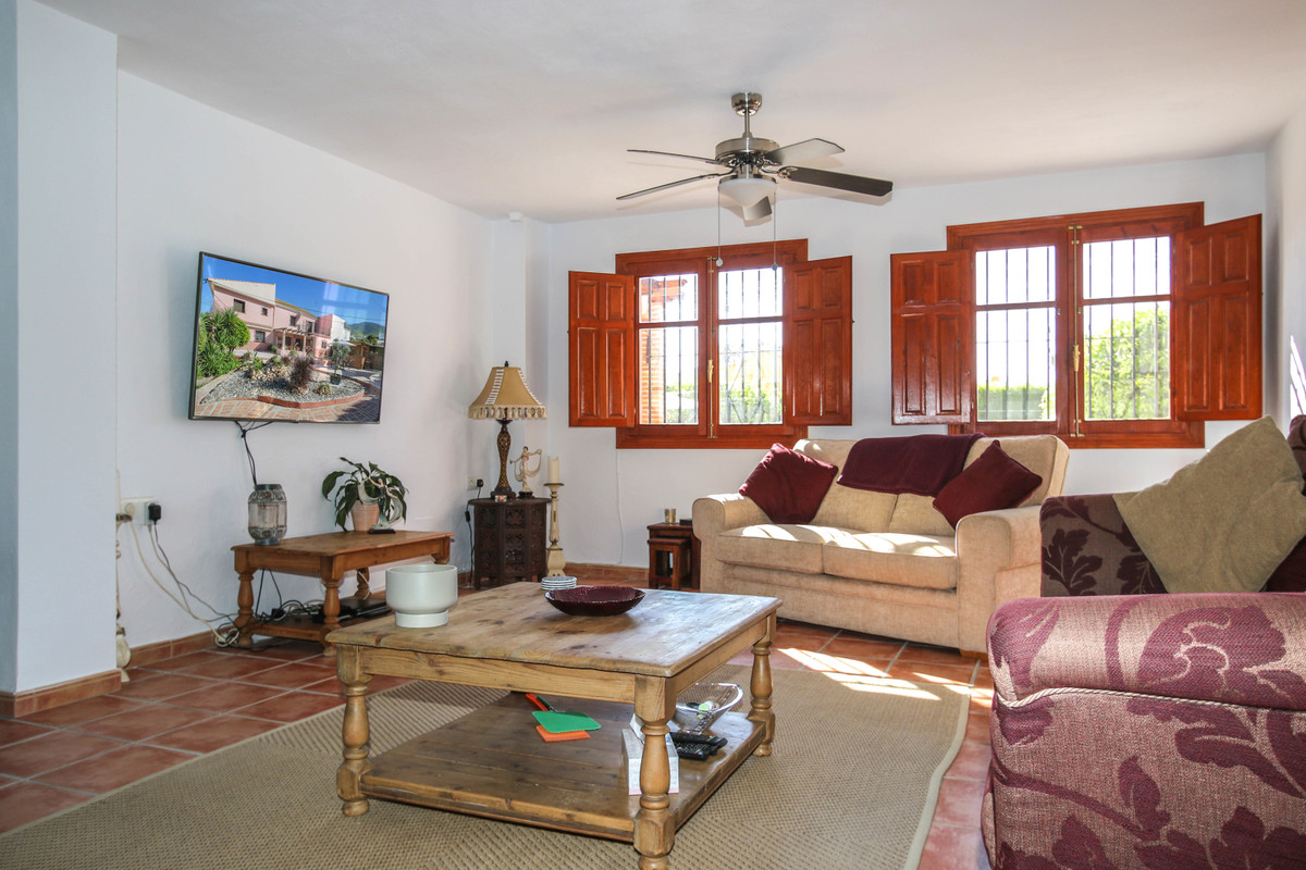 House in Alhaurín el Grande R3733957 9