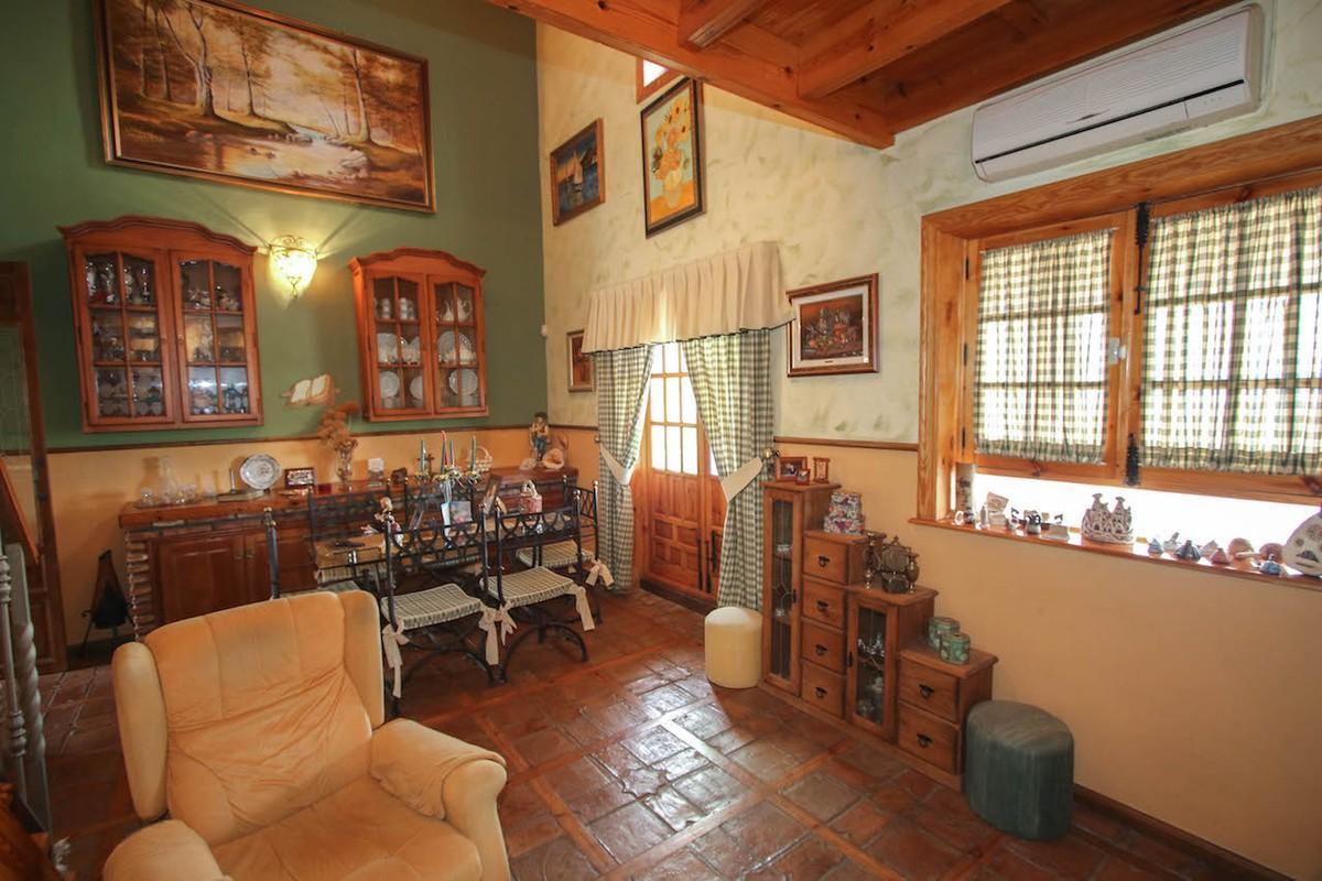 House in Alhaurín de la Torre R2650481 13