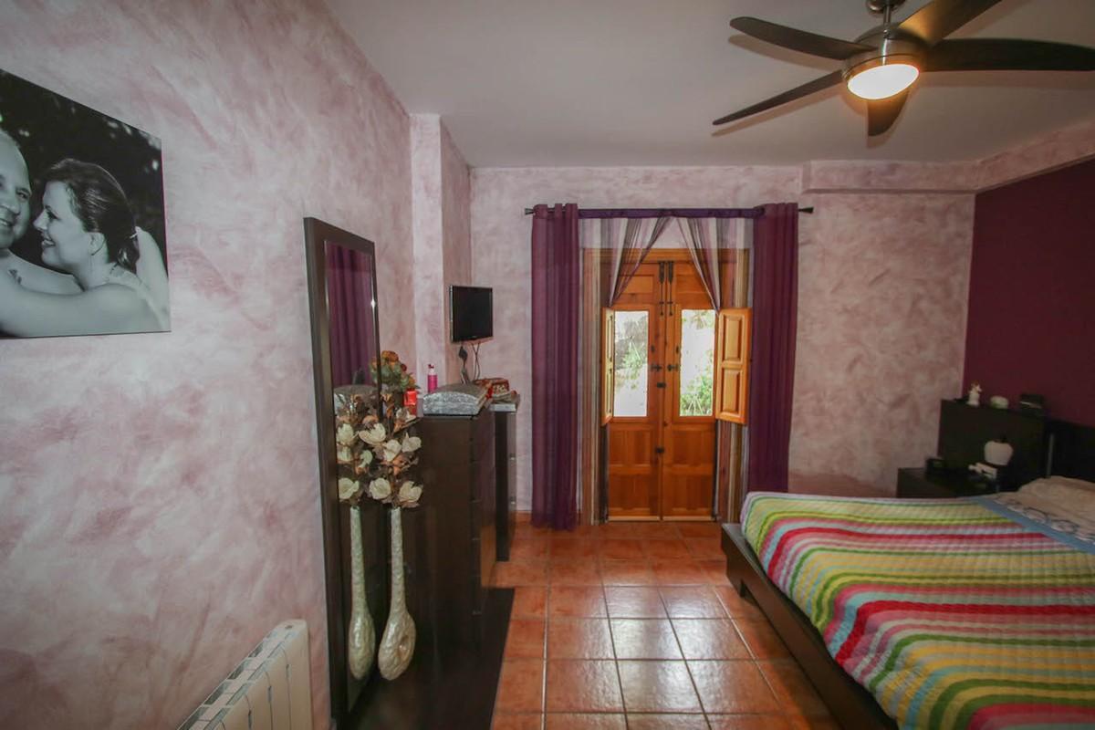 House in Alhaurín de la Torre R2650481 36
