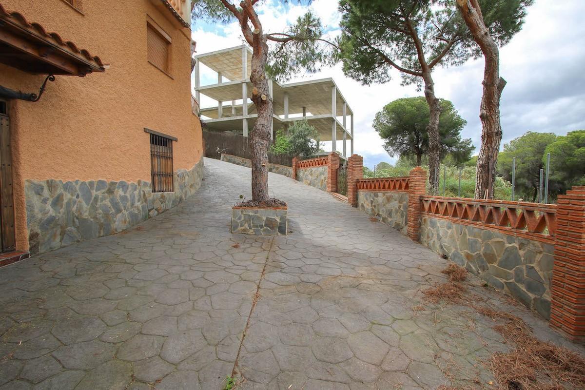 House in Alhaurín de la Torre R2650481 45