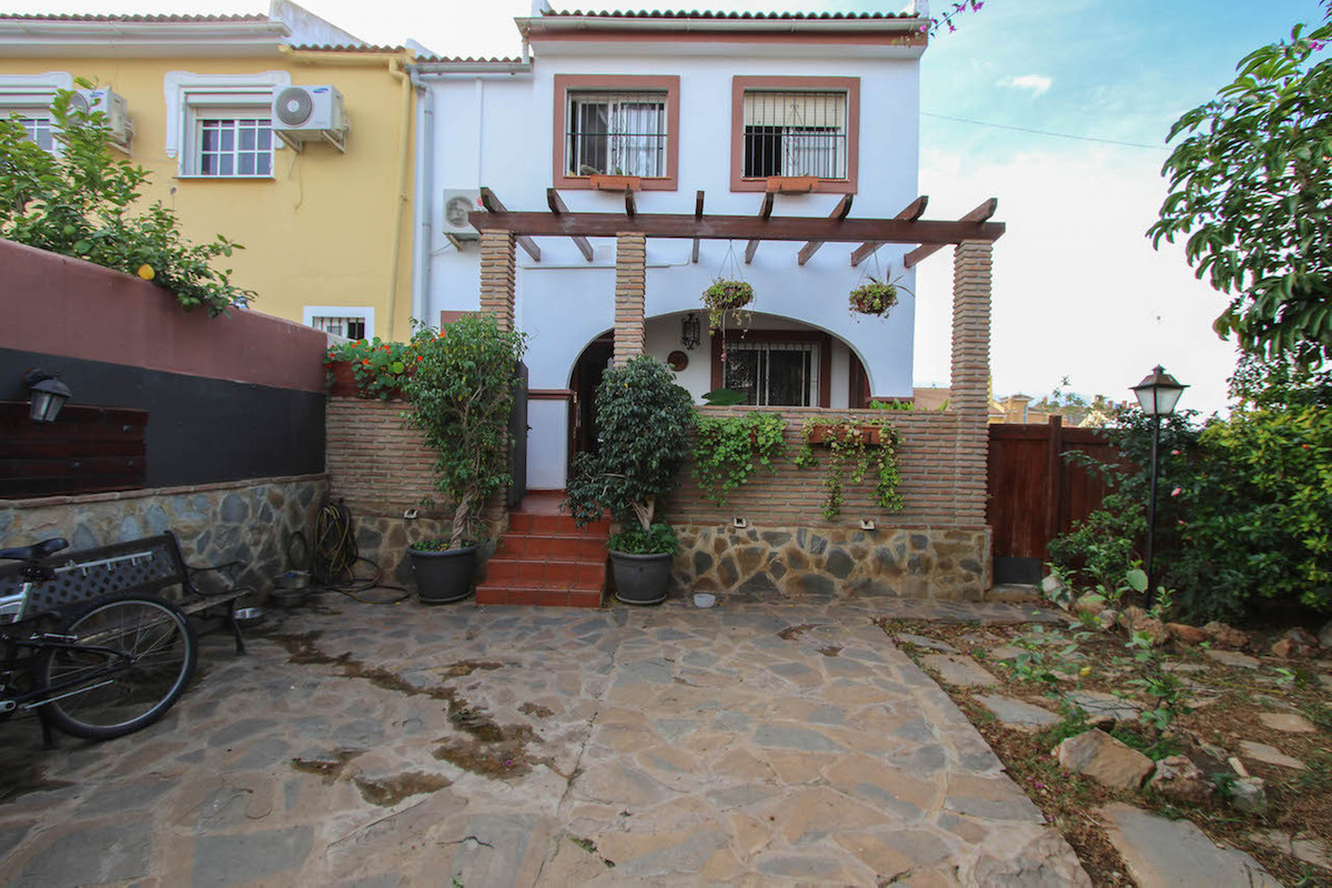 House in Alhaurín de la Torre R2598815 25