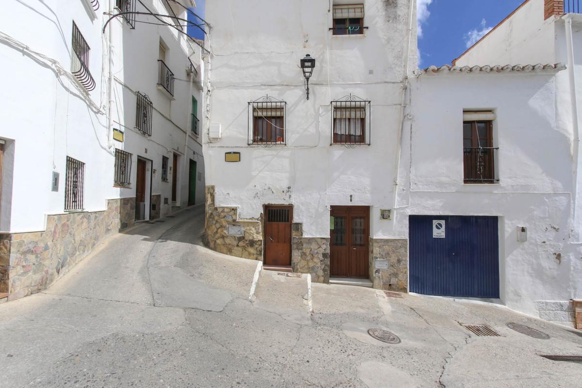 Townhouse, Terraced  for sale    en Casarabonela
