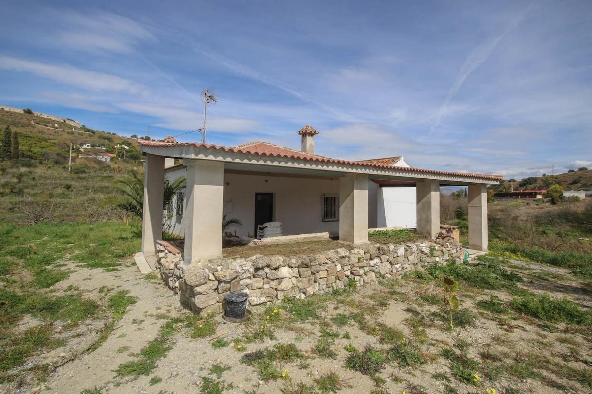 Detached Villa in Coín R3374734