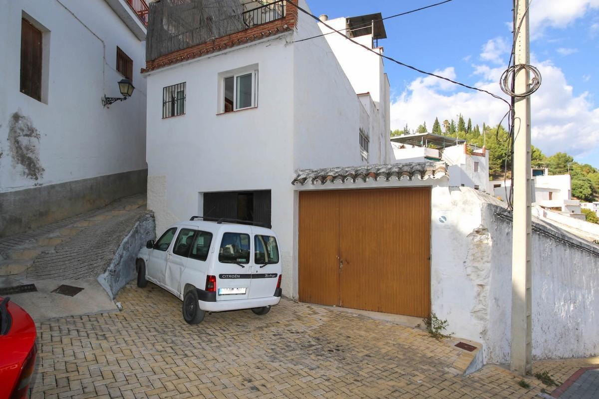 Townhouse Terraced in Tolox, Costa del Sol