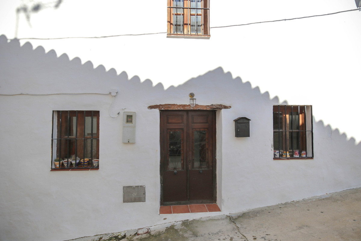 Villa, Semi Detached  for sale    en Guaro