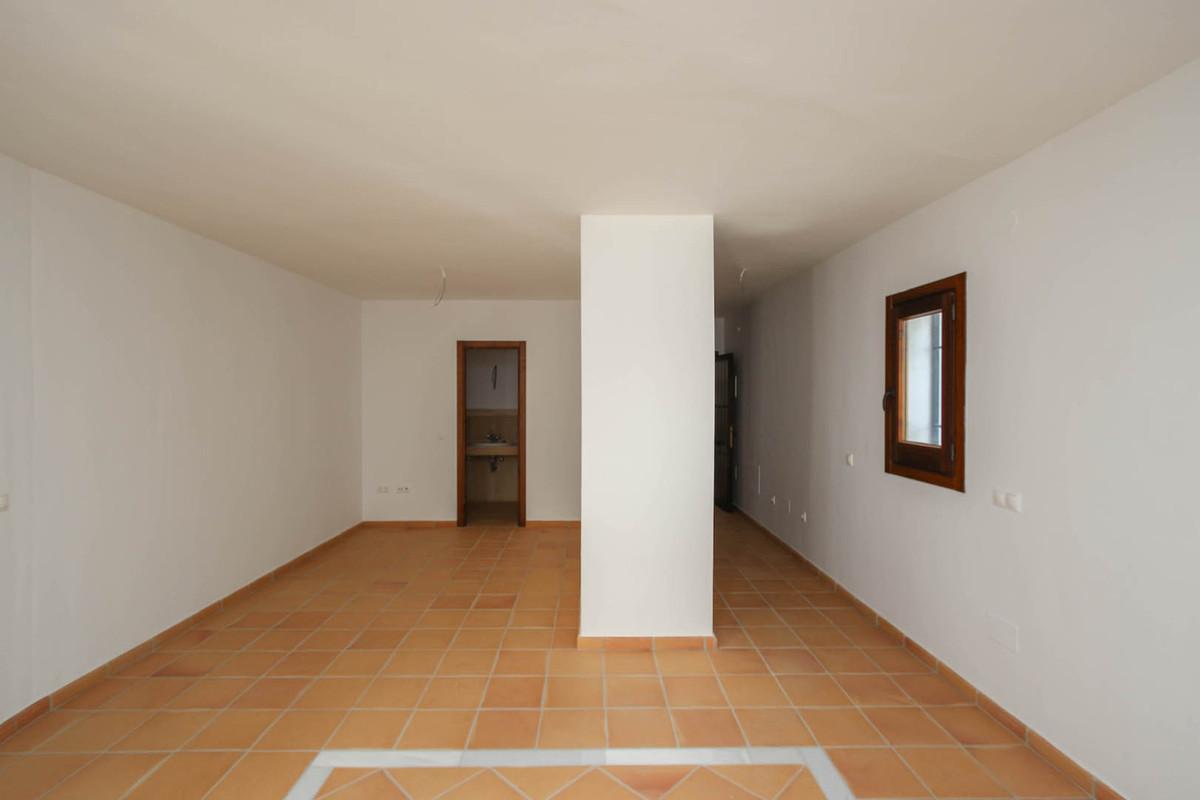 R2891963: Studio for sale in Monda