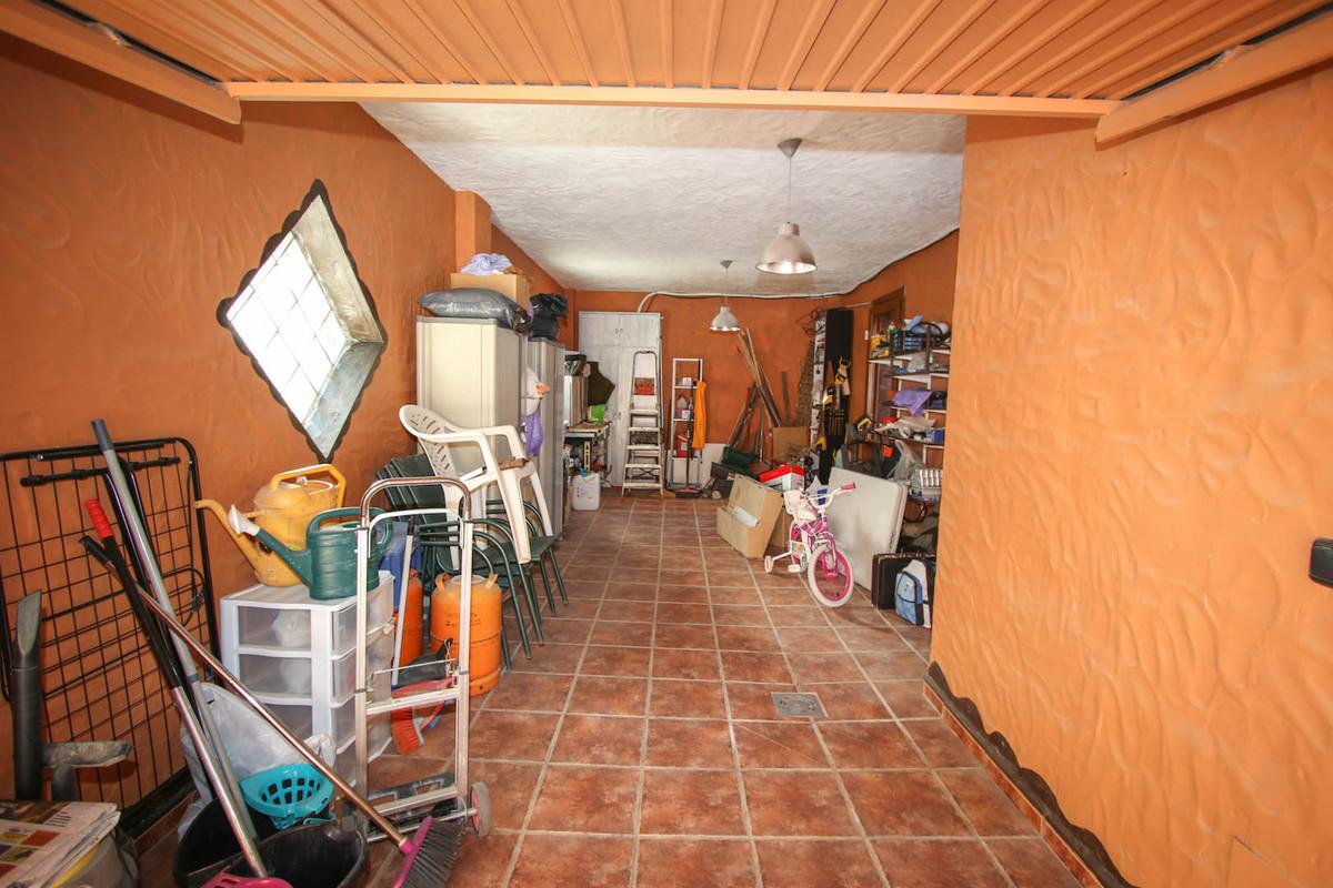 House in Alhaurín de la Torre R2752532 36