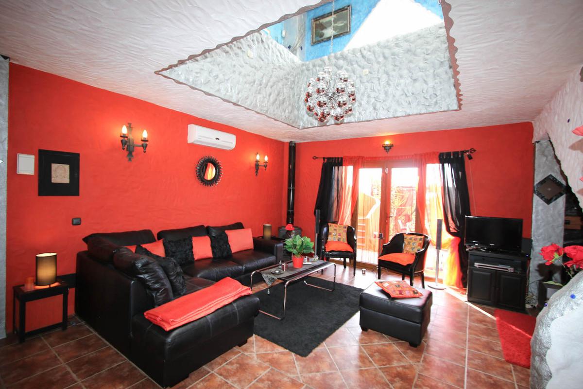 House in Alhaurín de la Torre R2752532 7