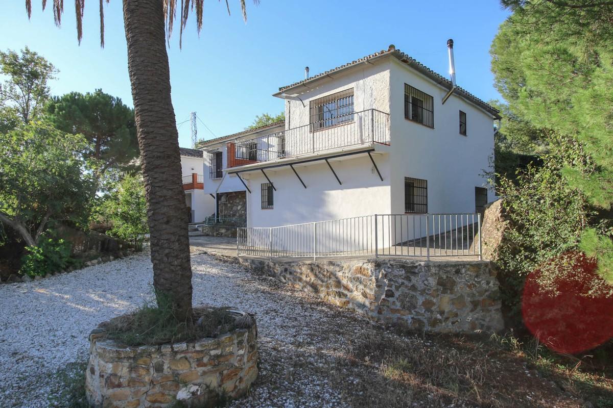Villa con 5 Dormitorios en Venta Carratraca