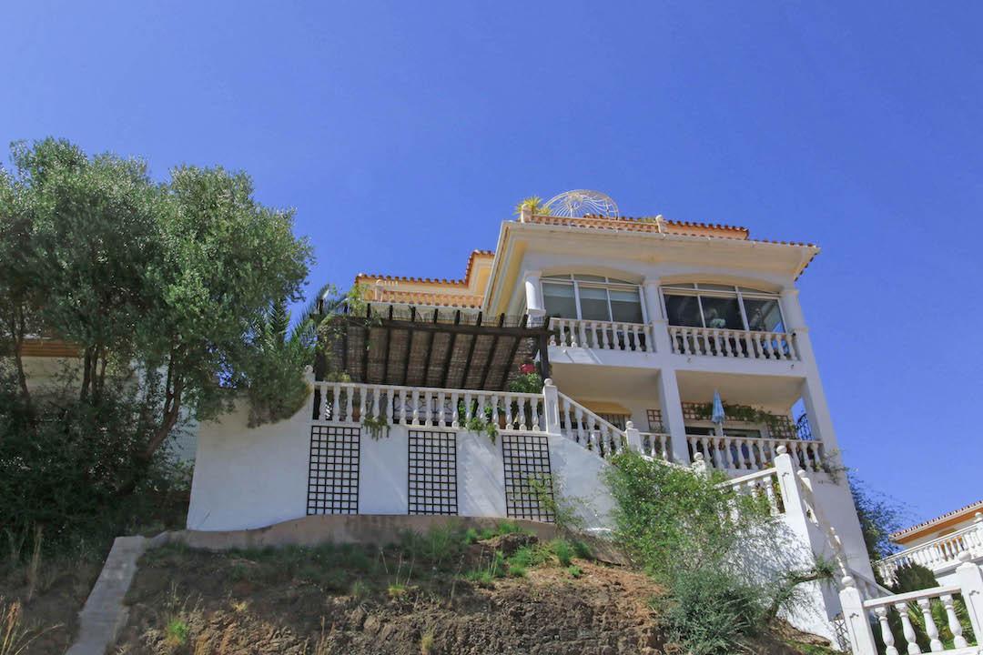 Villa 4 Dormitorios en Venta Monda
