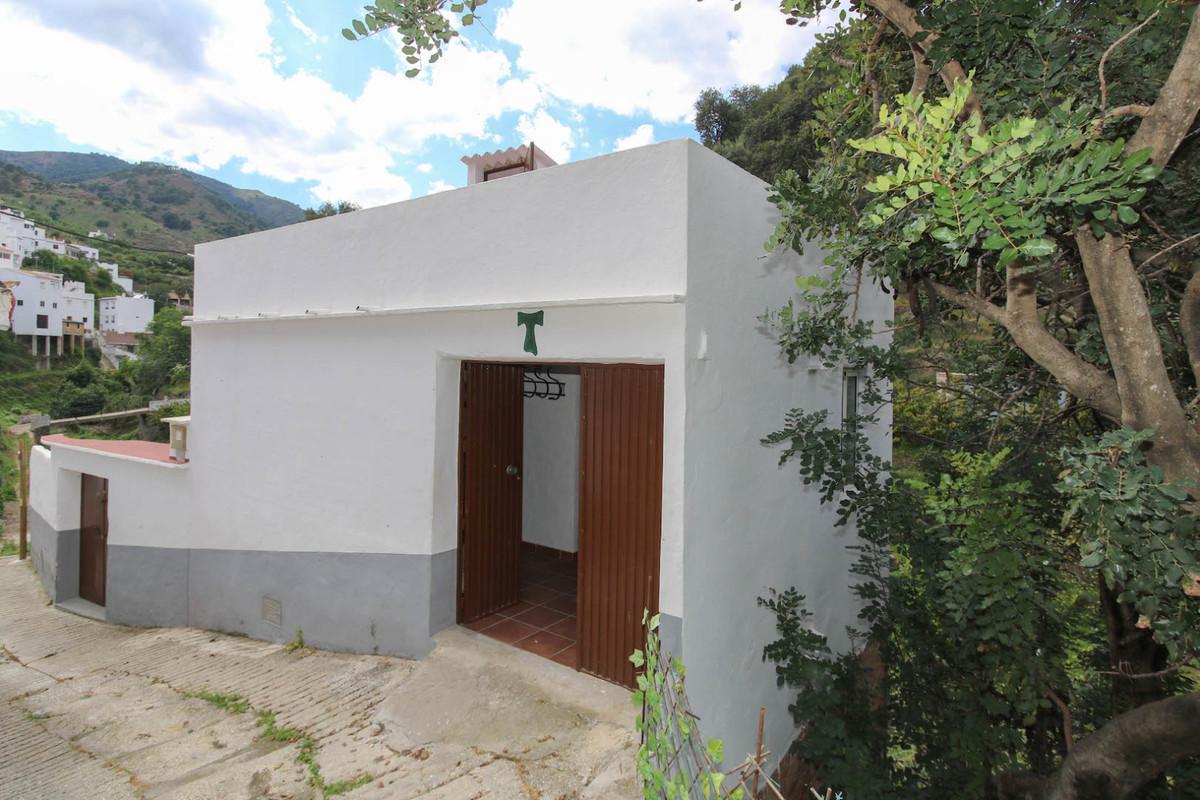 2 Bedrooms - 1.5 Bathrooms
