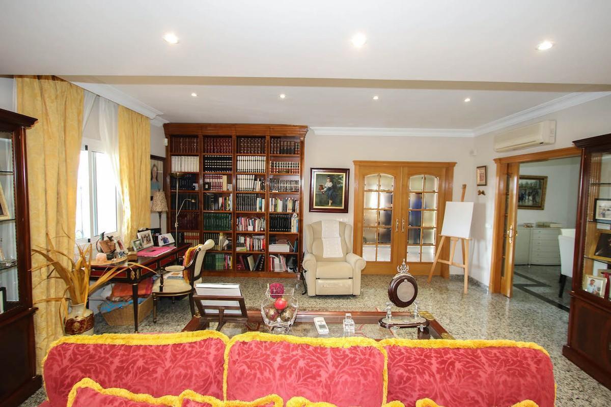 House in Alhaurín de la Torre R2611811 12