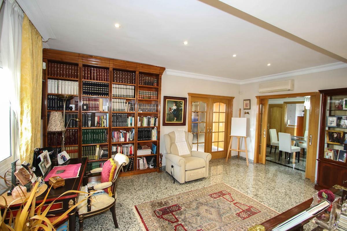 House in Alhaurín de la Torre R2611811 14