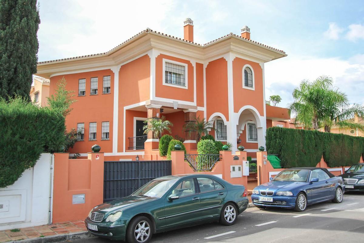 House in Alhaurín de la Torre R2611811 9