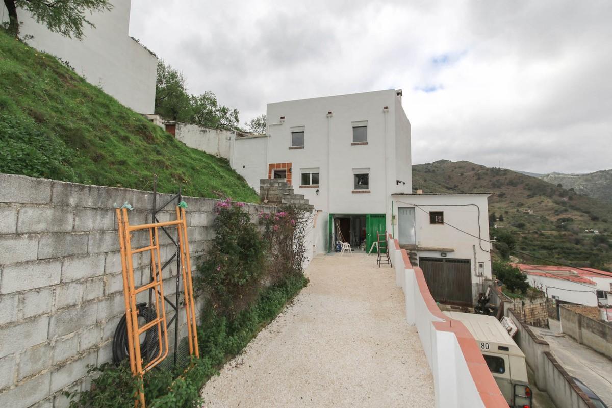 3 dormitorio villa en venta tolox