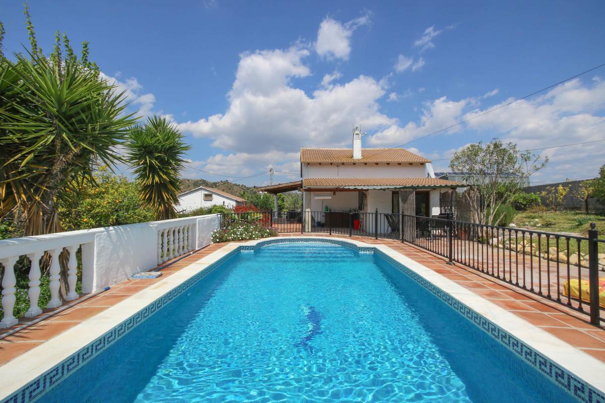 Detached Villa for sale in Coín R3391738