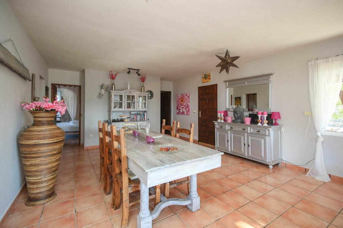 House in Alora R3366883 10