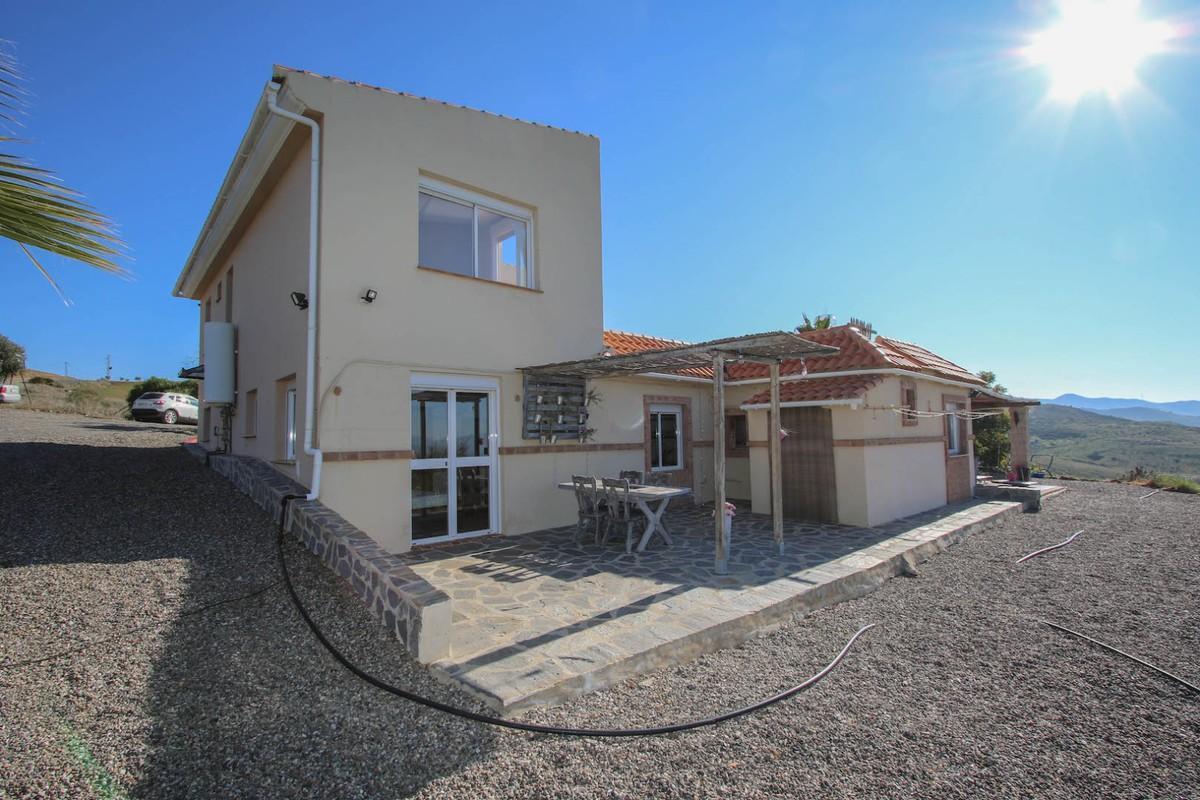 House in Alora R3366883 2