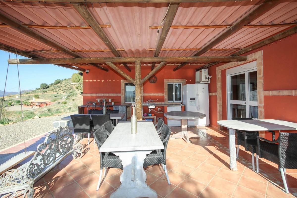 House in Alora R3366883 34